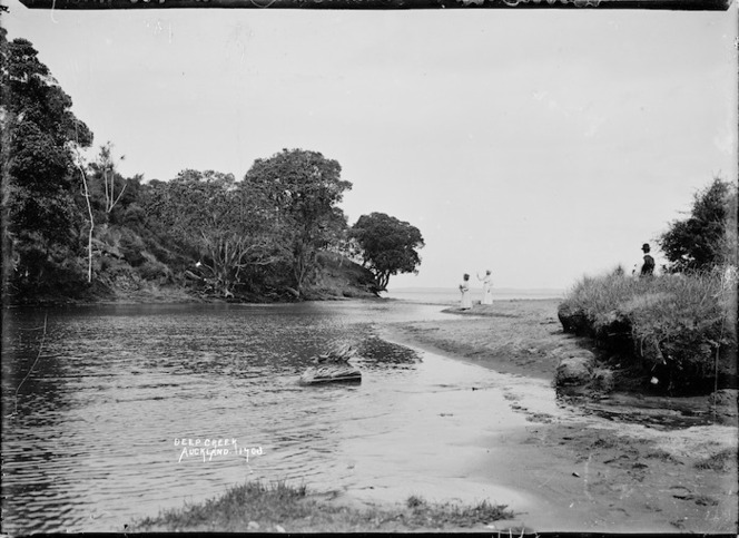 Entrance to Deep Creek, Waiake Beach, Torbay, Auckland