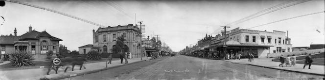 Victoria Street, Hamilton, taken 1923, showing a pedestrian (at left) captured five times, Ref: Pan-1938