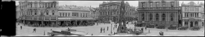Custom House Square, also known as the Exchange, Dunedin, taken between 1923 and 1928, Ref: Pan-0093