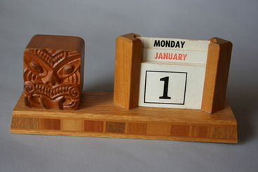 Image: No.039-2 Desk calendar