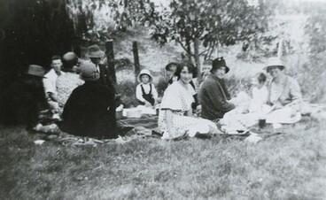Image: Esme Fenn and Mrs Fenn at a picnic