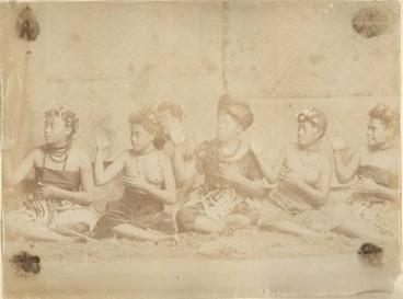 Image: Samoan siva siva