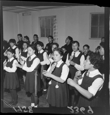 Image: Maori children performing a maori song at Khandallah School, Wellington