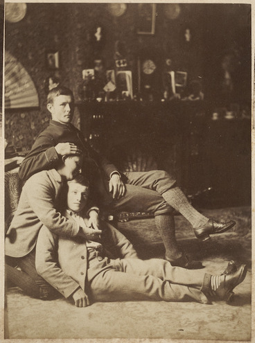 Image: Three men in a sitting room