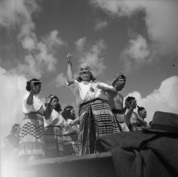 Image: Waiata during a hui to award of the Victoria Cross to Te Moananui-a-Kiwa Ngarimu, Ruatoria