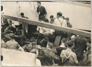 Image: Political meeting on board the `Tainui.'