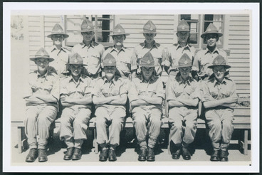 Image: Group portrait of compulsory military trainees, Burnham Military Camp, Christchurch