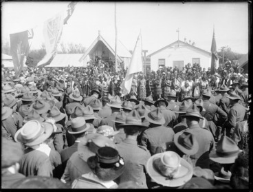Image: Return of the Maori Pioneer Battalion, Putiki Pa, Wanganui district, New Zealand