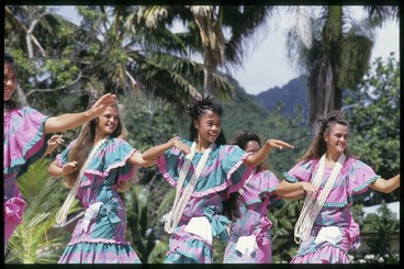 Image: Pupils of Kamehameha School, Hawaii, perform at the 6th Festival of Pacific Arts, Rarotonga, Cook Islands