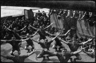 Image: Soldiers exercising on board the World War 1 troopship Ruapehu