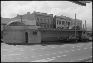 Image: Public toilets, Cambridge Terrace, Wellington