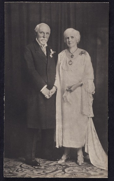 Image: Photographer unknown :Portrait of Sir Robert and Lady Anna Stout