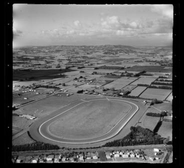 Image: Takanini Racecourse, Papakura District, Auckland Region