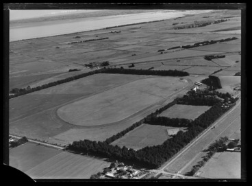 Image: Motukarara Racecourse, Banks Peninsula, Canterbury Region