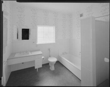 Image: Manthel House interior, bathroom