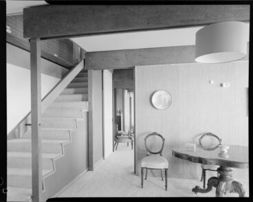 Image: Unidentified house enterior, hall