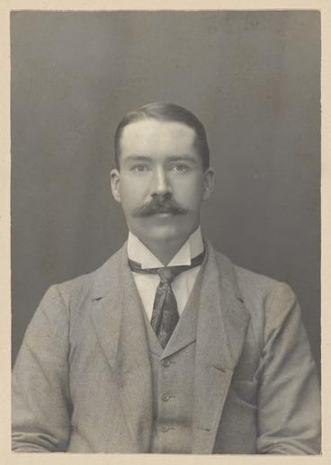 Image: Kinsey, William Henry Scott 1860-1931 :Photograph of Alexander Horsburgh Turnbull