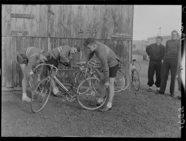 Image: Three members of Petone Cycling Club with their bicycles