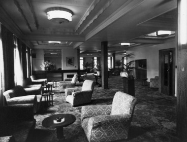 Image: View of the lounge, Royal Oak Hotel, Wellington