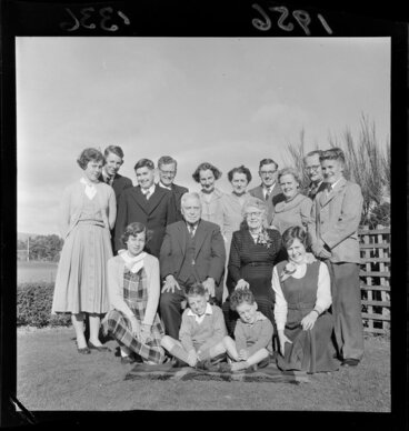 Image: Golden wedding portrait of Mr & Mrs Walter Nash, surrounded by their family
