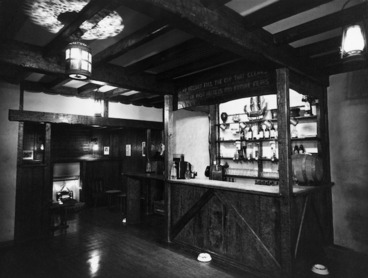 Image: View of the tavern bar, Royal Oak Hotel, Wellington
