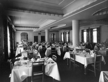Image: View of the dining room, Royal Oak Hotel, Wellington