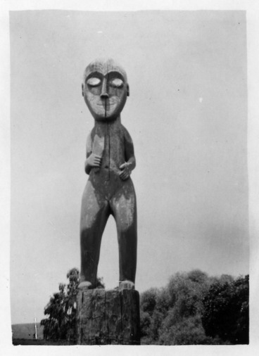 Image: Carved figure, Papawai Pa, Greytown