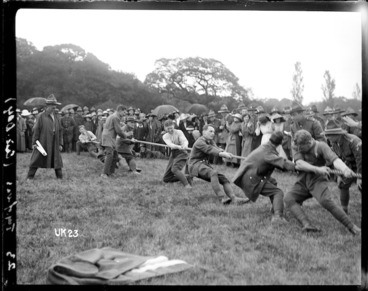 Image: Tug of war at a New Zealand camp, World War I