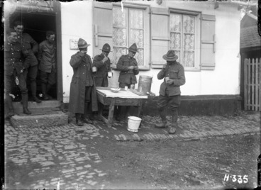 Image: Soldiers cleaning their teeth before visiting the dental surgeries