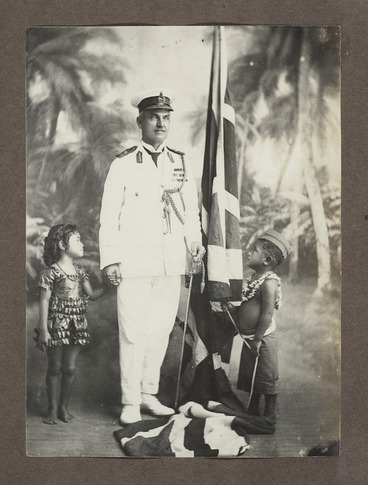 Image: Portrait of General George Spafford Richardson with Samoan children