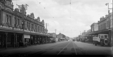 Image: Looking south west along Great North Road...1925