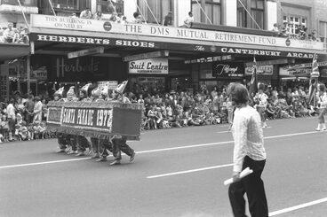 Image: 1972 Farmers Santa Parade