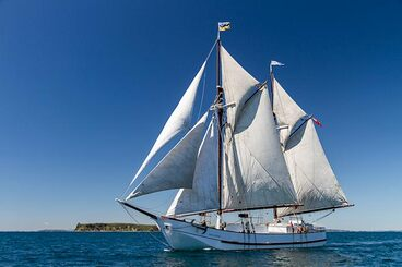 Image: The restored Jane Gifford under sail