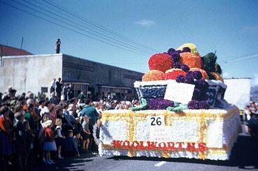Image: Fruit bowl float