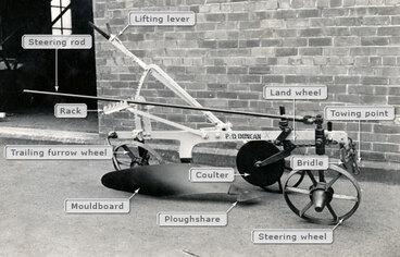 Image: Single-furrow plough