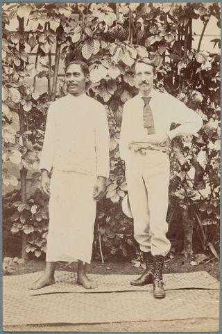 Image: Robert Louis Stevenson and a Samoan man