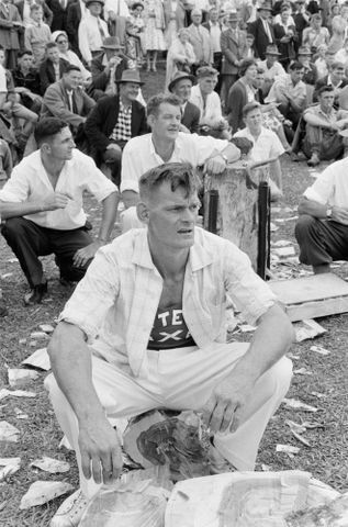 Image: Wood chopping competitor