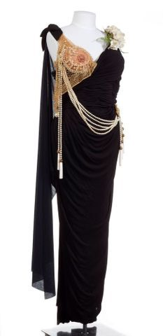 Image: Costume - dress with cape effect