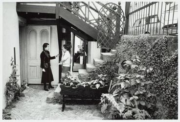 Image: Jacqueline Fahey and friend, Parnell, Auckland