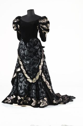 Image: Concert gown