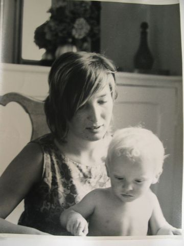 Image: Mother and child