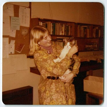 Image: New Brighton Librarian with Tiger