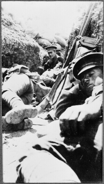 Image: Soldiers resting in trenches, Gallipoli, 1915