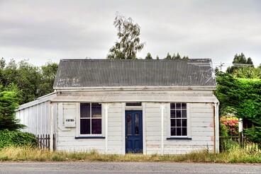 Image: Old house / shop, Centre Bush, Southland