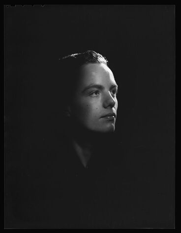 Image: Portrait of young male dancer