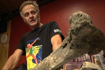 Image: Canterbury contractors unearth moa bones
