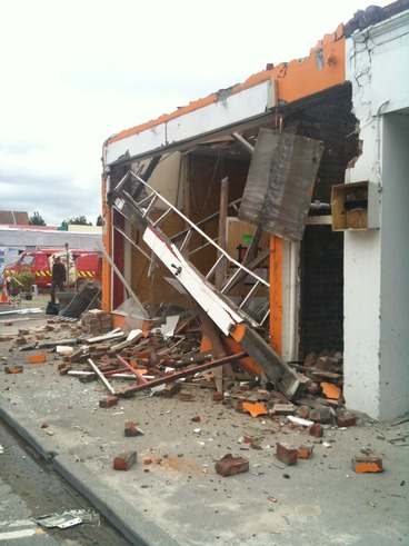 Image: Himalayas Indian Restaurant demolition