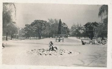 Image: Victoria Square, snow, 1918