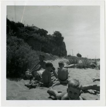 Image: Family picnic, 1965