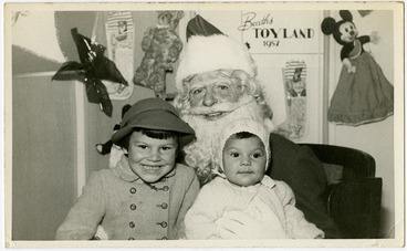 Image: Father Christmas at Beaths, 1957